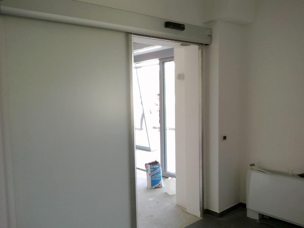 Porte automatiche Ditec presso cantiere Montoro Inferiore Avellino