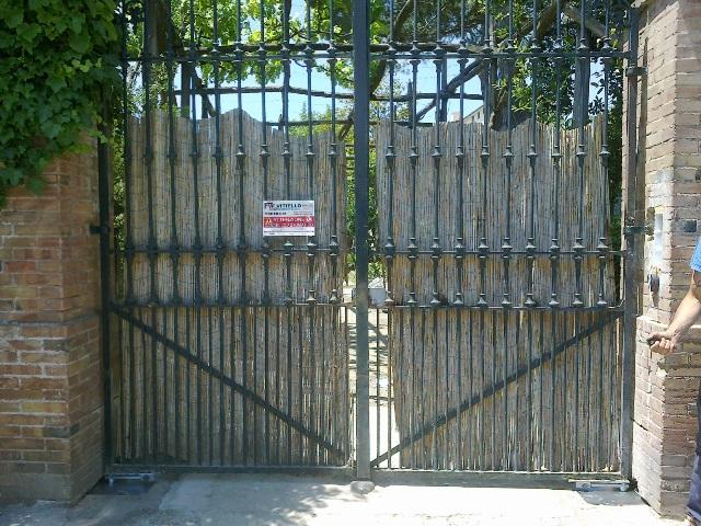 Cancello con motore interrato Ditec Cubic presso privato Sant'Agata sui Due Golfi