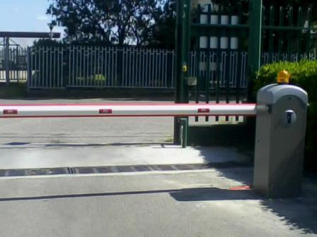 Barriera automatica Ditec QIK Istituto CRA Pontecagnano Salerno