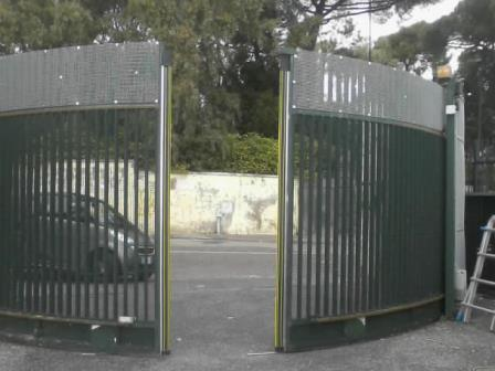 Cancello automatico a norma per un consolidato cliente PARCO RIVALTA NAPOLI